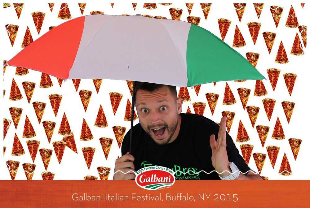 Green Screen Photo with Italian Pizza Theme for Galbani provided by Toy Bros Entertainment